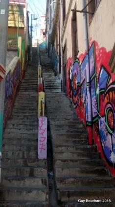 Beaucoup d'escaliers; ce serait la raison de la fermeté des cuisses des femmes...