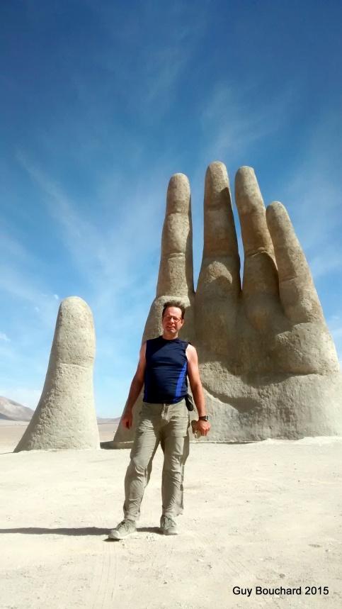 Devant La Mano del Desierto