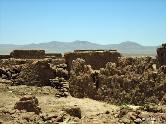 Dans une ville fantôme du désert d'Atacama