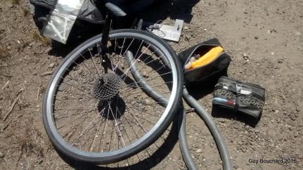 Une autre crevaison... Heureusement, ma nouvelle pompe achetée chez Belda Bike de Vina del Mar fonctionne bien