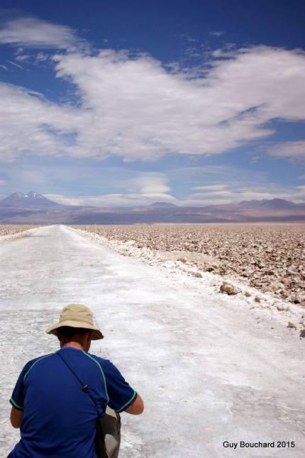 Dans le désert salé en direction de San Pedro de Atacama