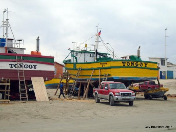 Bateaux de pêches en réparation à Tongoy
